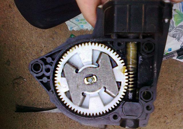 Не работает стеклоподъемник ВАЗ-2110: причины, как исправить?