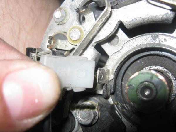 Как снять генератор на ВАЗ 2115: инструкция с видео