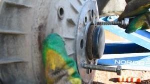 Замена главного тормозного цилиндра ВАЗ-2114 своими руками: видеоинструкция