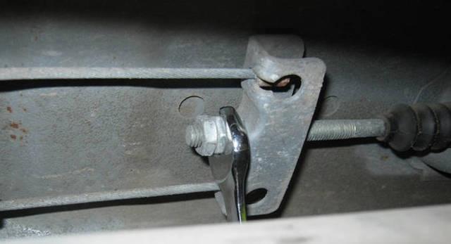 Как правильно подтянуть ручник на ВАЗ 2110: видеоинструкция