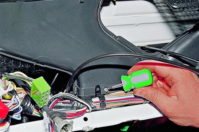 Замена моторчика печки (отопителя) ВАЗ-2107 своими руками: пошаговая видеоинструкция