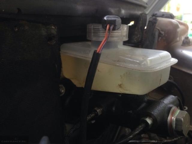 Замена главного тормозного цилиндра ВАЗ-2110: инструкция с видео