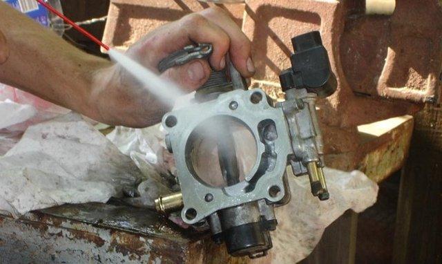 Как проводится чистка дроссельной заслонки ВАЗ 2110 своими руками