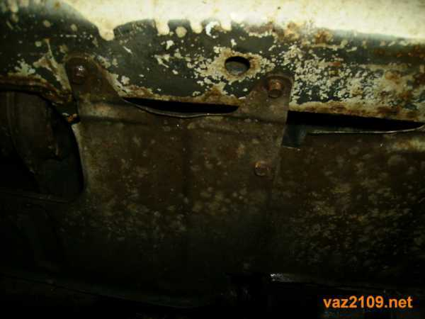Как открыть капот ВАЗ-2109, если порвался тросик: пошаговая видеоинструкция