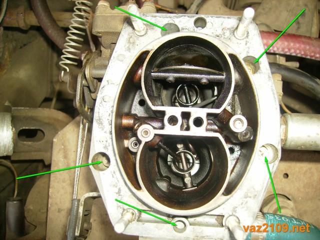 Что делать, если на ВАЗ-21099 карбюратор плавают обороты и автомобиль глохнет?