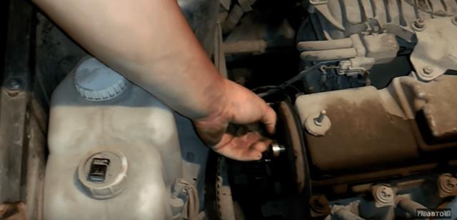 Замена помпы ВАЗ 2114 своими руками: видео инструкция