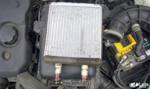 Замена радиатора печки (отопителя) Лада Приора с кондиционером: пошаговая инструкция