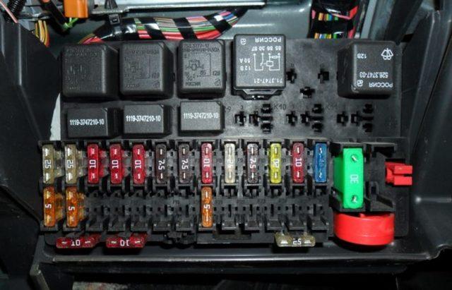 Что делать, если не горят стоп-сигналы на ВАЗ 2110 и ремонт