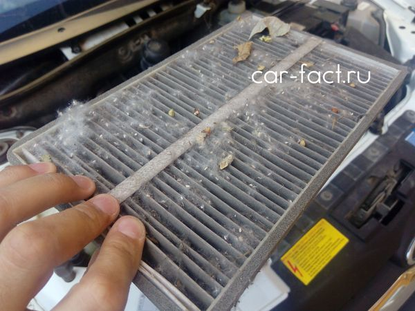 Замена салонного фильтра на Лада Гранта: видео инструкция