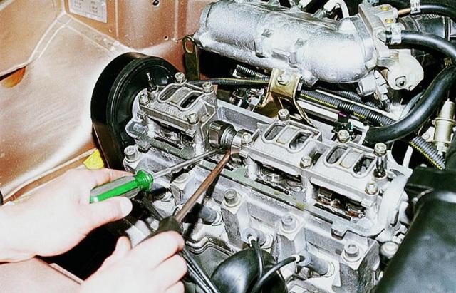 Характеристики двигателя ВАЗ-2111: технические параметры, его объем и мощность