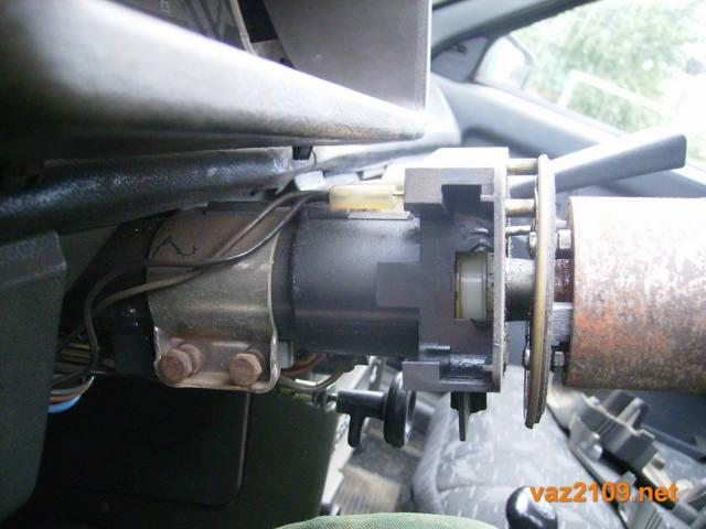 Замена замка зажигания ВАЗ-2109 (карбюратор, инжектор): пошаговая видеоинсттрукция