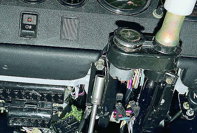 Замена рулевой колонки ВАЗ-2106 своими руками: пошаговая видеоинструкция