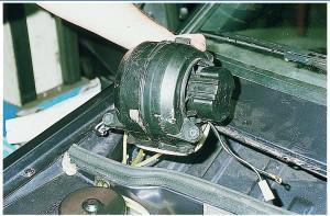 Как снять вентилятор печки ВАЗ 2115: видеоинструкция