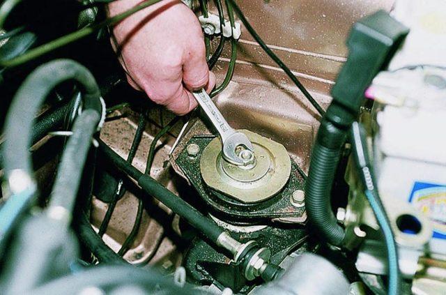 Самостоятельная замена подушек двигателя ВАЗ 2110 на 8 и 16 клапанов
