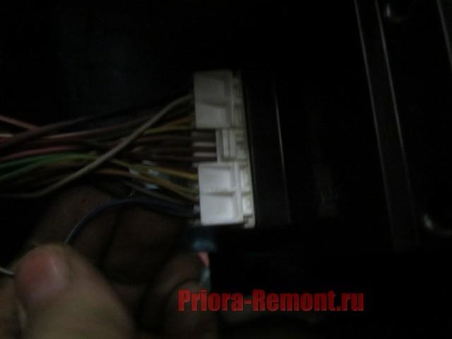 Как снять панель приборов на Лада Приора: пошаговая видеоинструкция