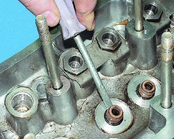 Замена направляющих втулок клапанов ВАЗ-2109 своими руками: инструкция