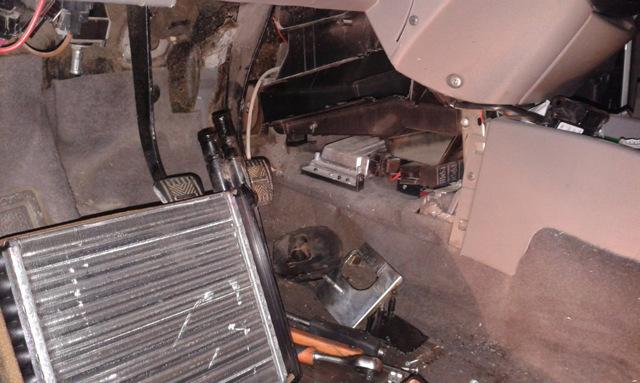 Замена радиатора на Ладе Приора: пошаговая видеоинструкция