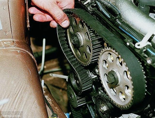 Замена прокладки ГБЦ на ВАЗ 2112 16-клапанов своими руками: видео инструкция