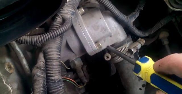 Замена термостата ВАЗ 2112 16 клапанов: видео инструкция своими руками
