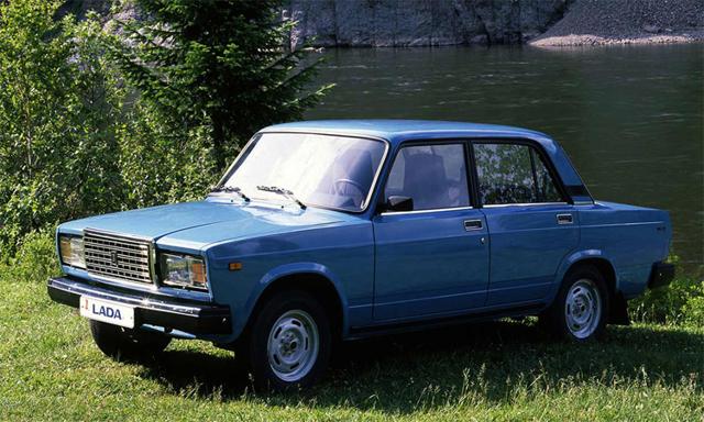 Чем отличается ВАЗ-2105 от ВАЗ-2107 внешне и внутренне: характеристики