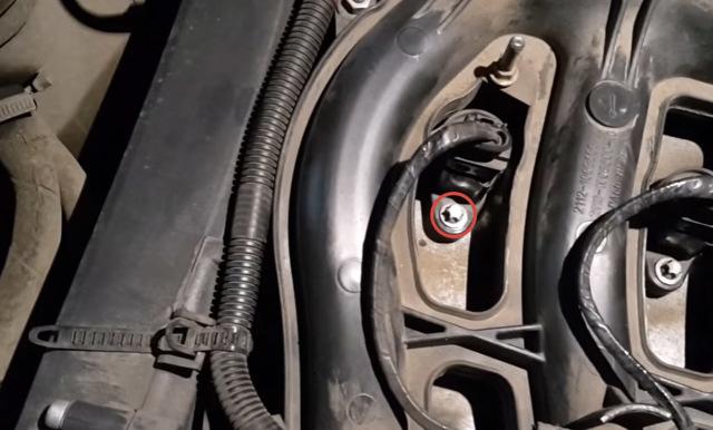 Замена свечей зажигания на Лада Приора 16-клапанной: инструменты, видеоинструкция